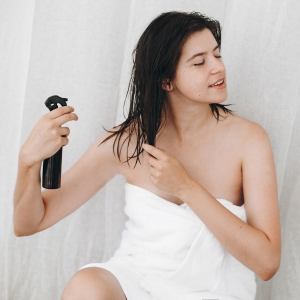 apply heat protection spray
